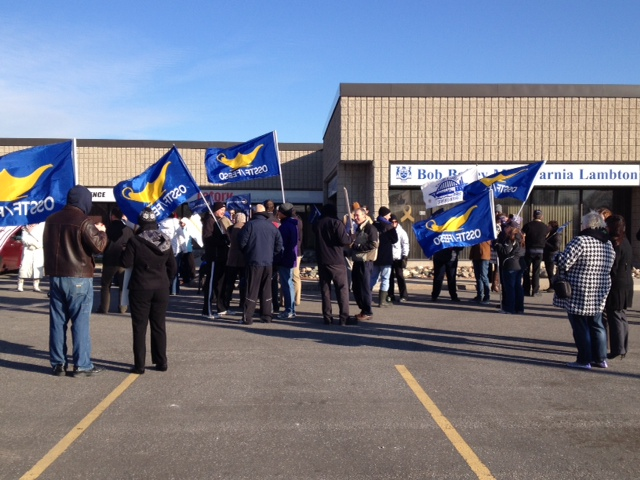 High School Teachers Protest in Sarnia. (BlackburnNews.com file photo)