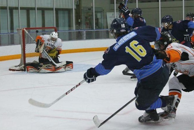 The Amherstburg Admirals square off with the Essex 73's, November 18, 2013. (BlackburnNews.com file photo)