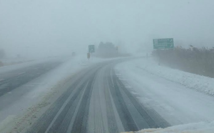Winter storm creates hazardous driving conditions on Highway 402 in Sarnia January 6, 2014 BlackburnNews.com Photo