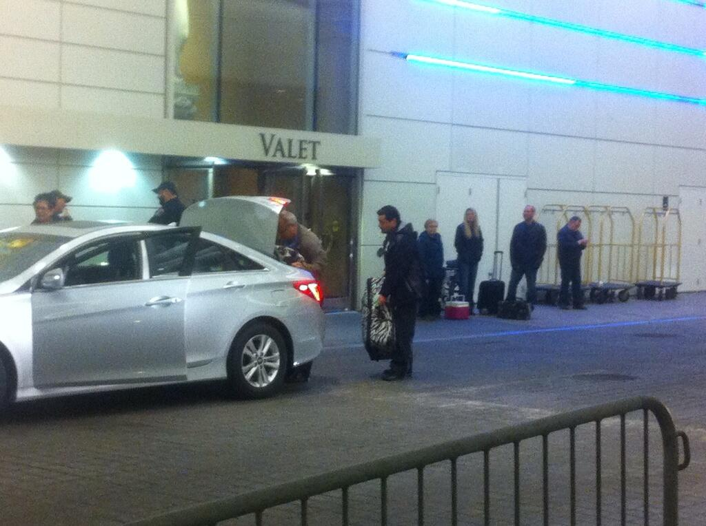 Guests leave Caesars Windsor ahead of a strike deadline, April 3, 2014. (Photo by Adelle Loiselle)