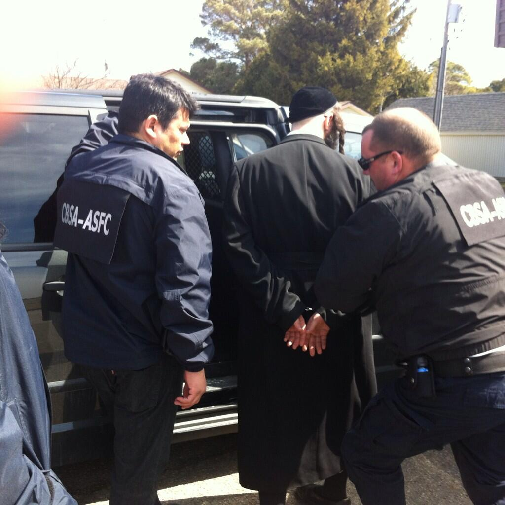 CBSA makes arrests at Lev Tahor community outside of Chatham, April 2, 2014. (Photo by Ashton Patis)