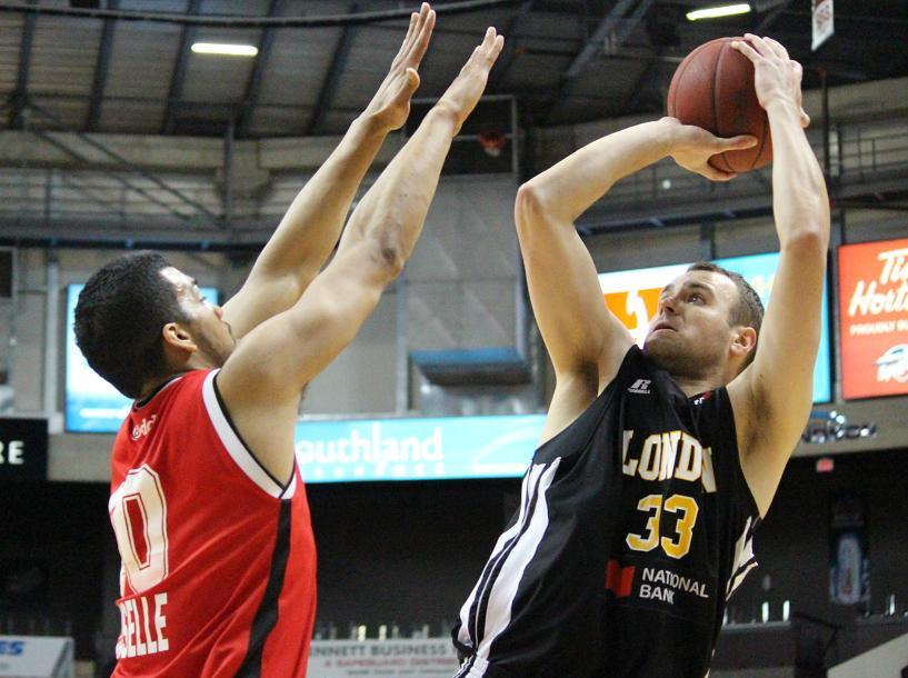 Windsor Express battle the London Lightning in game seven of the NBL semi-finals, April 1, 2014. (photo by Mike Vlasveld)
