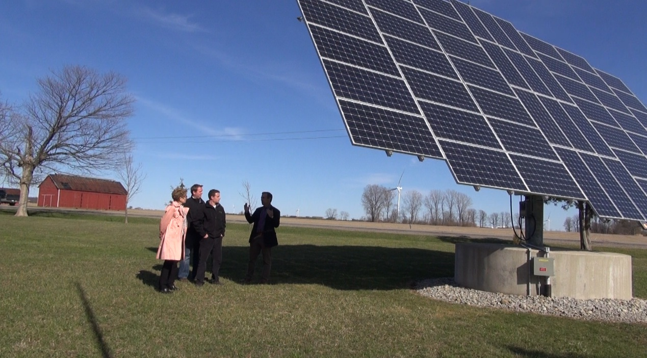 Premier Kathleen Wynne (left) at the Nauta farm in Chatham-Kent April 23 2014. (Photo by Trevor Thompson)