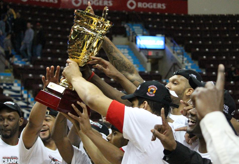 The Windsor Express celebrate their first championship in franchise history, April 17, 2014. (Photo by Mike Vlasveld)