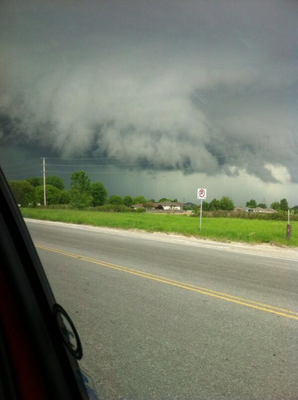 A severe thunderstorm over Windsor-Essex, May 27 2014. (Photo courtesy of Jenn Woodrich.)