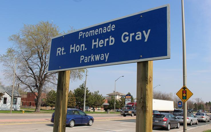 Rt. Hon. Herb Gray Pkwy. sign on Huron Church Rd. in Windsor. (Photo by Mike Vlasveld)