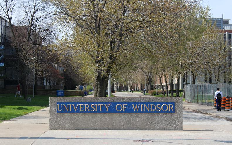 University of Windsor sign along Wyandotte St.