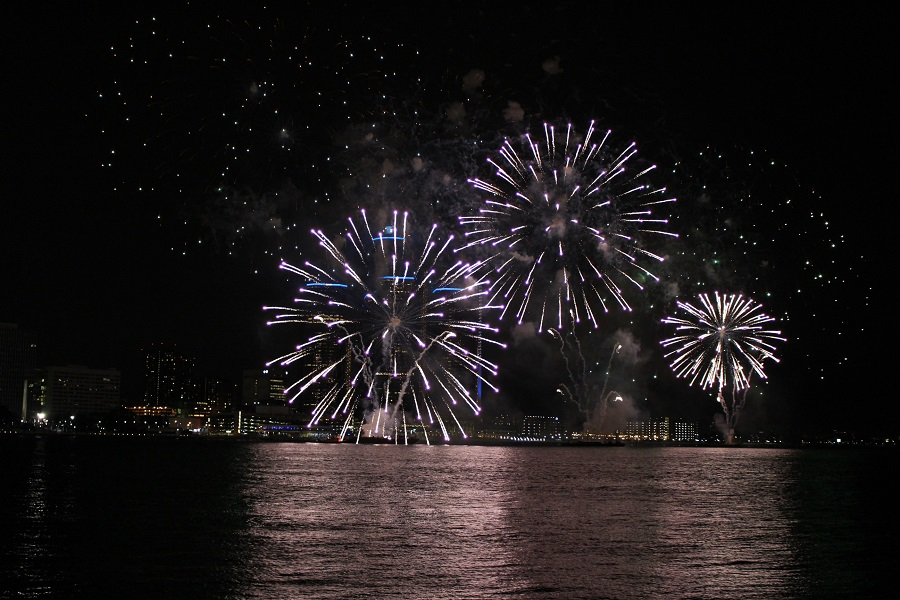 56th Annual Ford Fireworks along the Detroit River. (Photo by Maureen Revait)