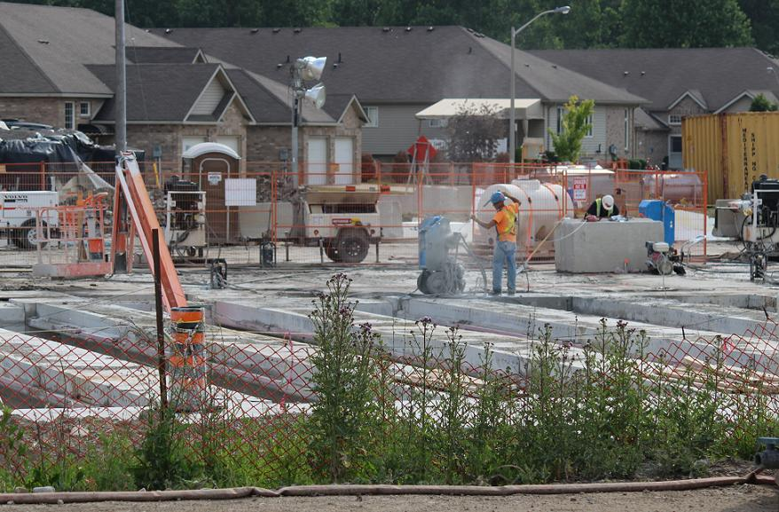 Construction on the Rt. Hon. Herb Gray Pkwy. along Huron Church Rd. in Windsor. June 17, 2014. (photo by Mike Vlasveld)