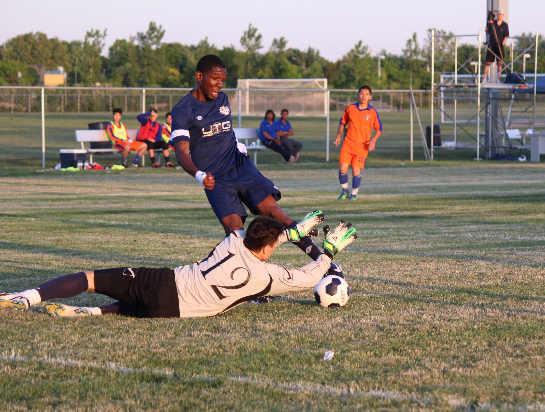 Windsor Stars take on Toronto International in League1 Ontario play at McHugh Park in Windsor, June 14, 2014. (Photo by Ricardo Veneza)