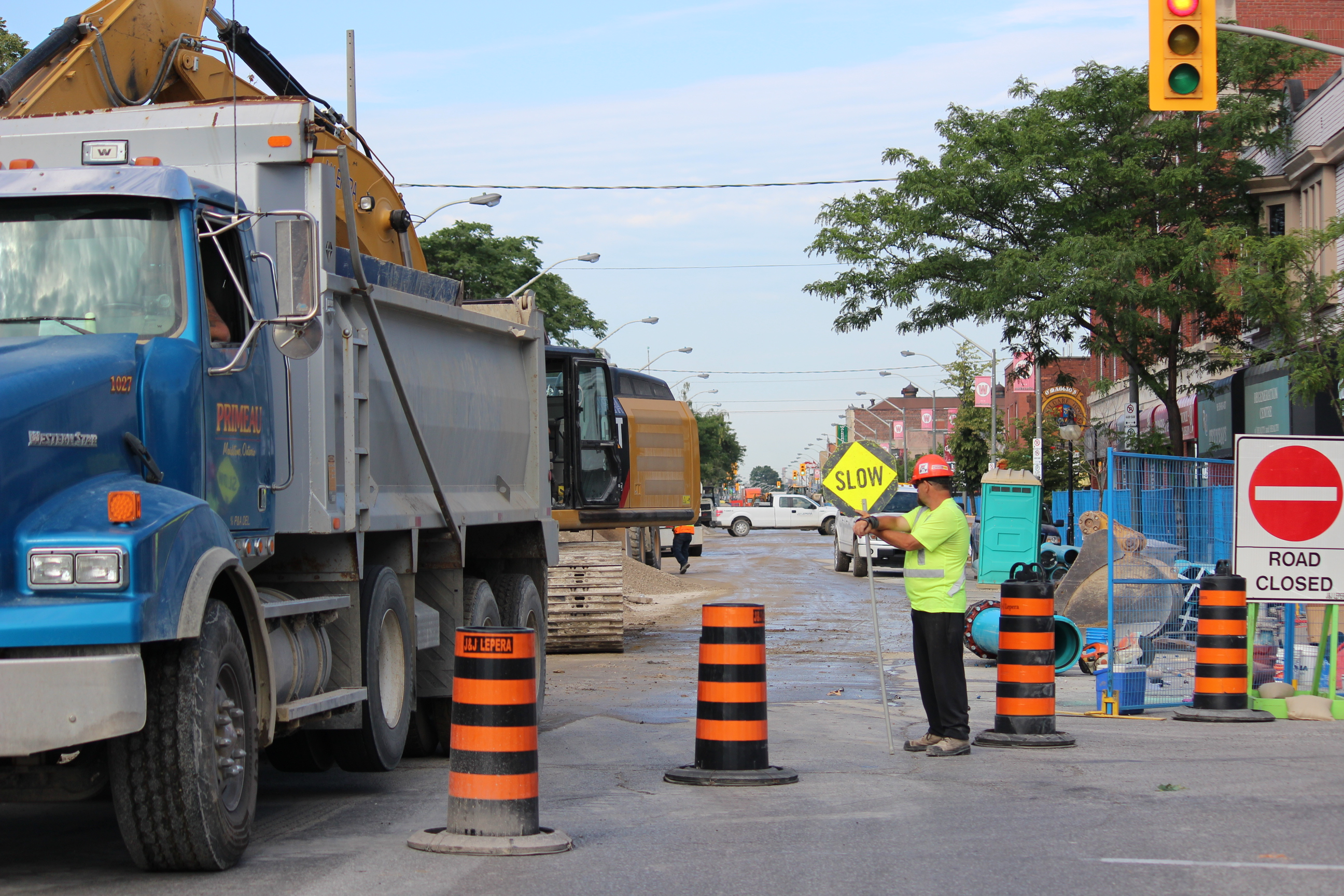 Construction has shut down Wyandotte St. E. between Devonshire Rd. and Gladstone Ave. (Photo by Adelle Loiselle.)