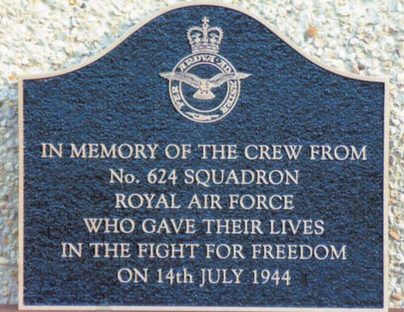 Memorial to the crew killed along with pilot Leslie Peers (Photo courtesy http://maquis-nistos-esparros.chez-alice.fr)