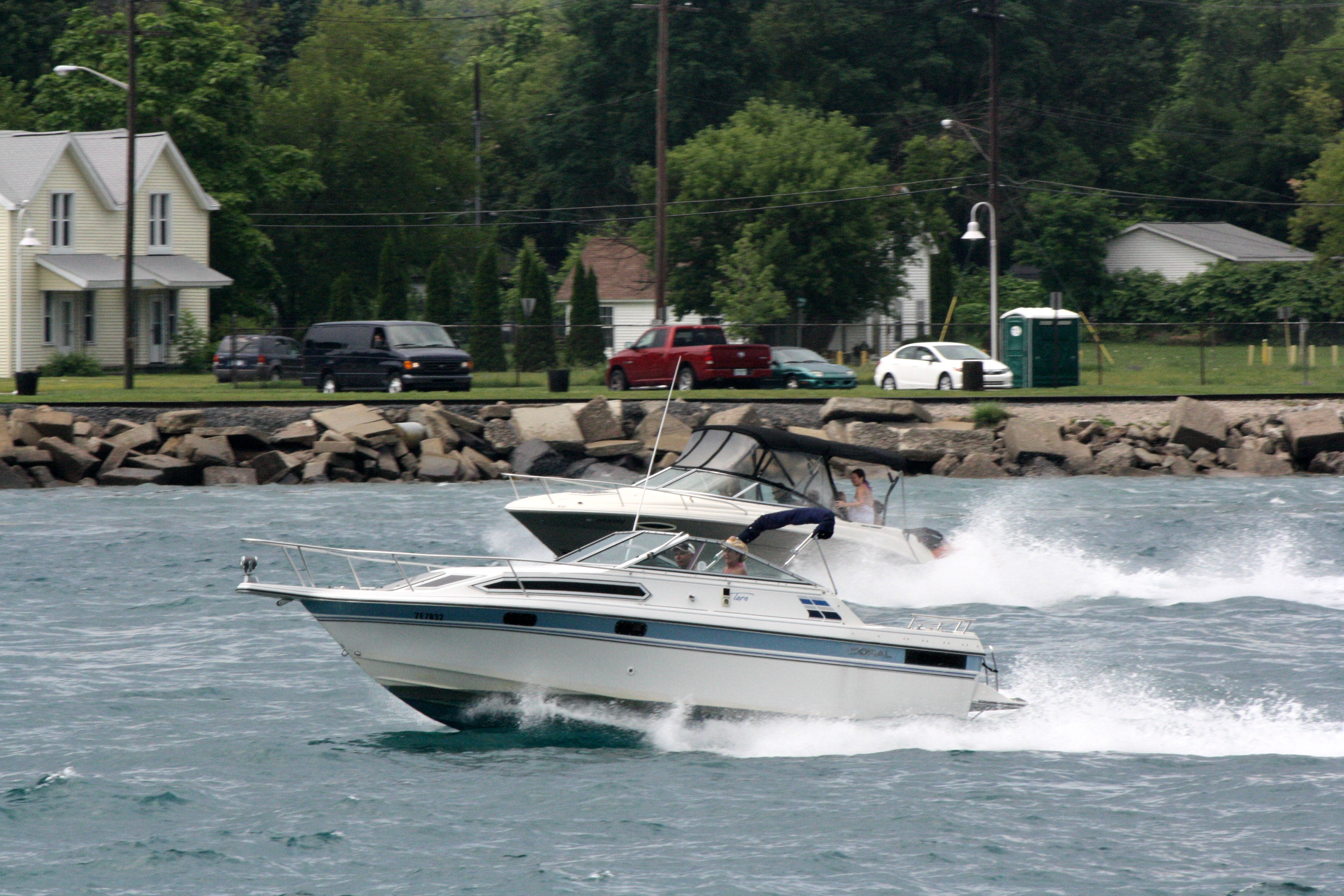 Boats on the St. Clair River (BlackburnNews.com photo by Dave Dentinger)
