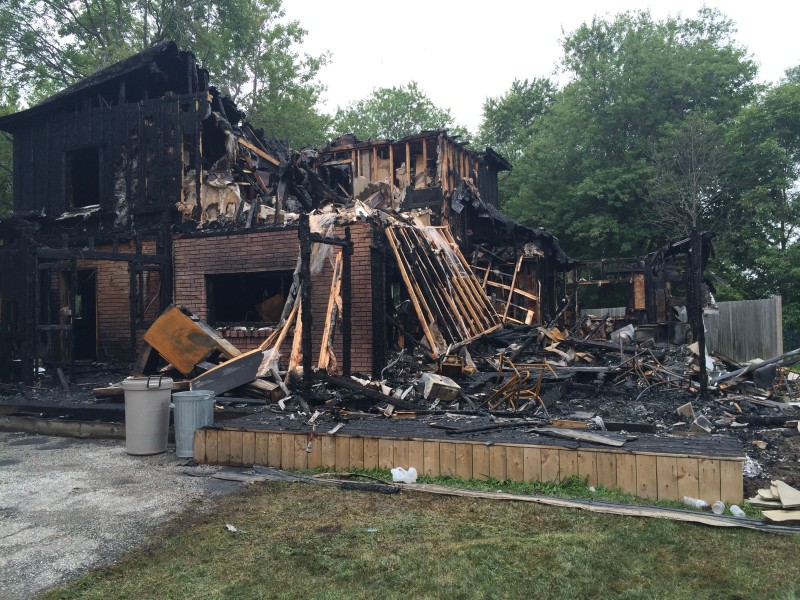 The remains of a house fire on Lakeshore Drive in Leamington, Aug. 5, 2014. (photo by Ricardo Veneza)