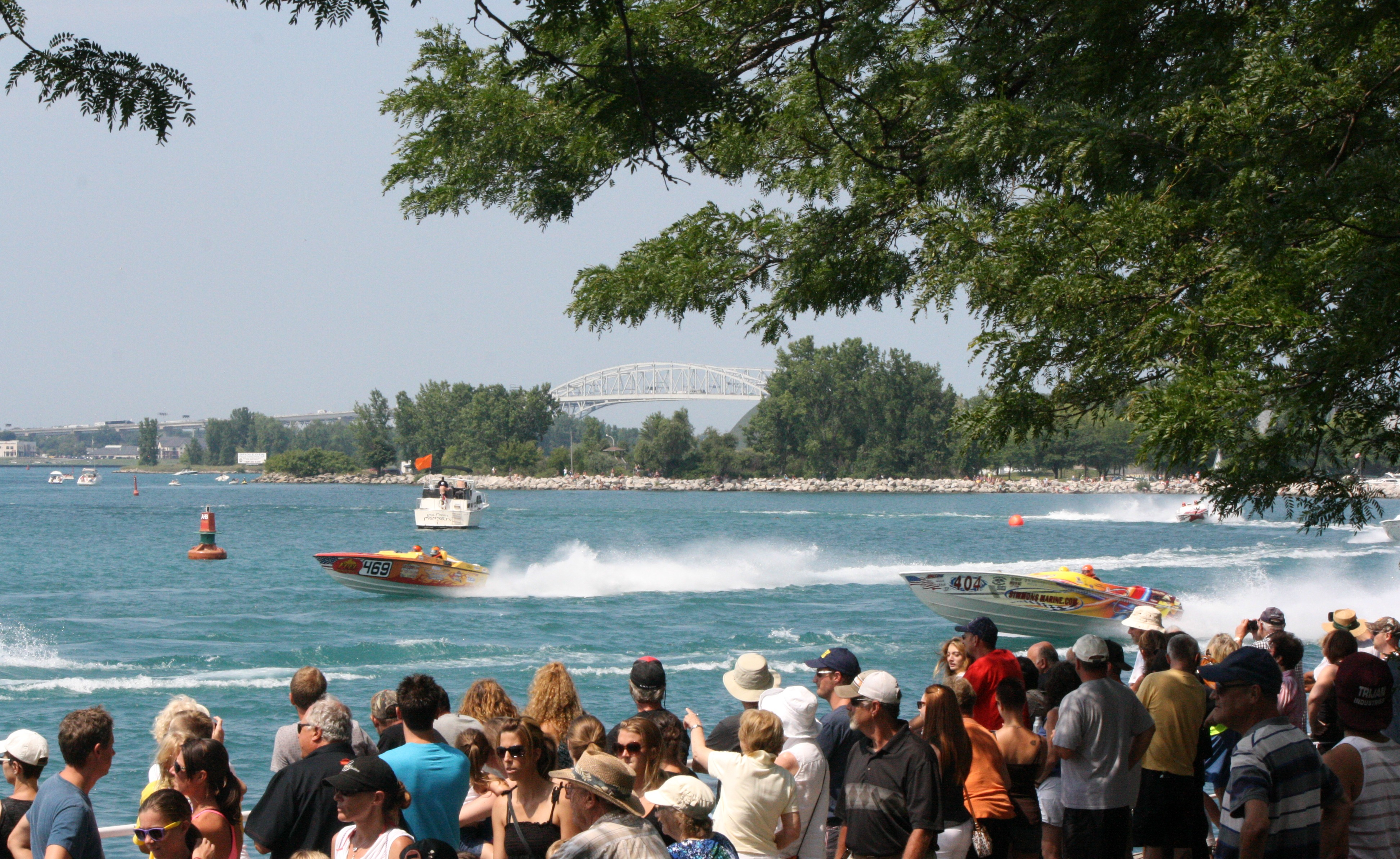 Thousands line the Sarnia waterfront Sunday August 10, 2014 for the International Powerboat Festival. (BlackburnNews.com photo by Dave Dentinger)