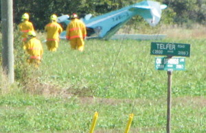 Plane crash at Telfer Rd. and Oil Springs Line Sun. Sept 14, 2014 (photo by Larry Trepanier)