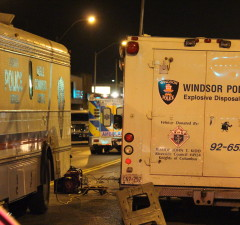 Dozens of Windsor Police officers respond to a standoff in an apartment at Tecumseh Rd. E. and Gladstone Ave. (Photo by Jason Viau)