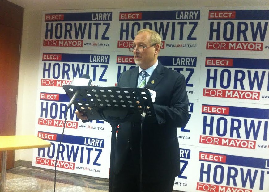 Windsor mayoral candidate Larry Horwitz speaks at a news conference, Sept. 24, 2014. (Photo by Maureen Revait)