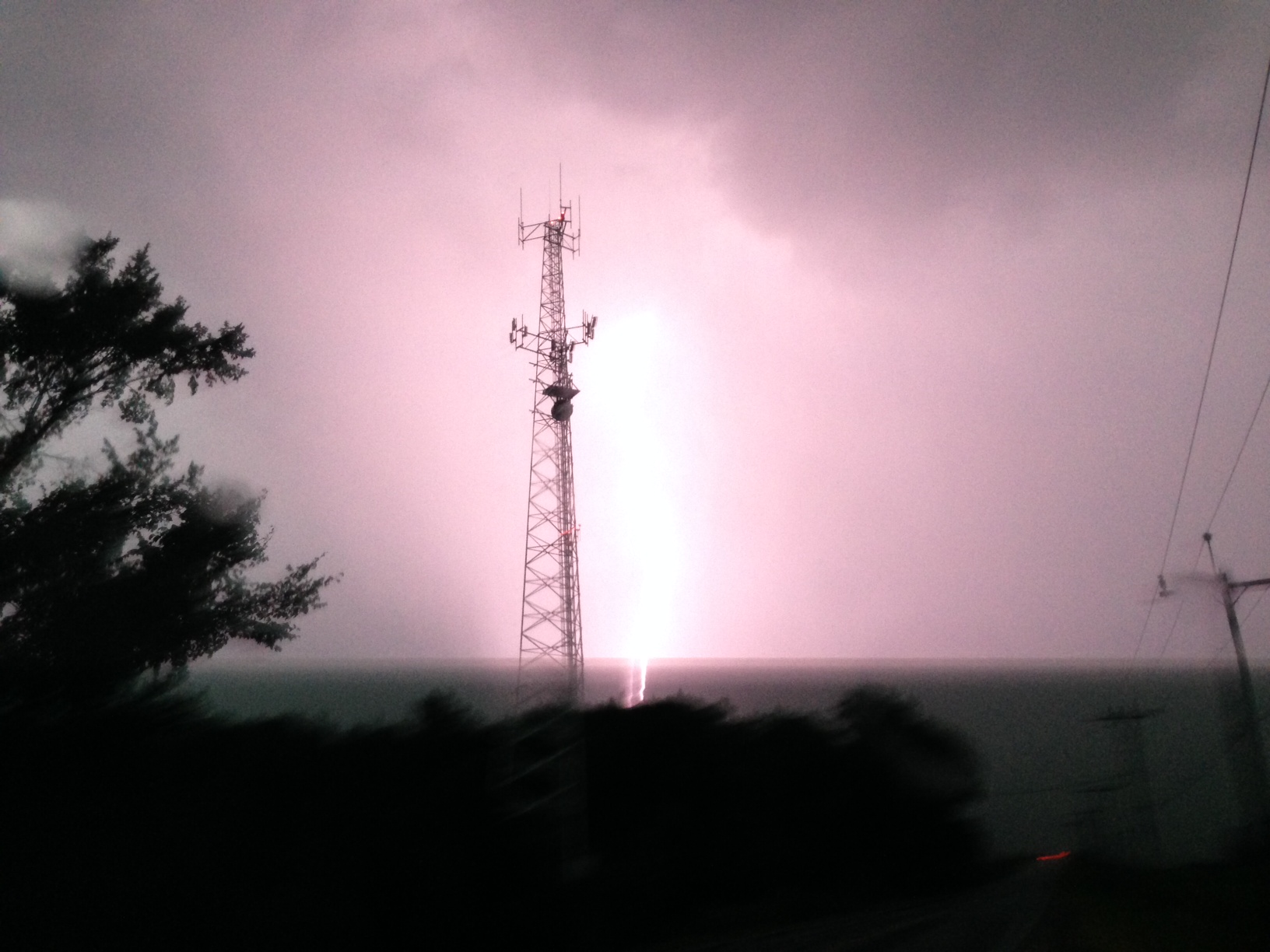 Storms with intense lightning cause widespread power outages in Sarnia-Lambton Sept 5, 2014