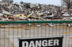 Demolition crews take down part of the old GM Transmission Plant on Kildare Rd. October 25, 2014. (Photo by Jason Viau)