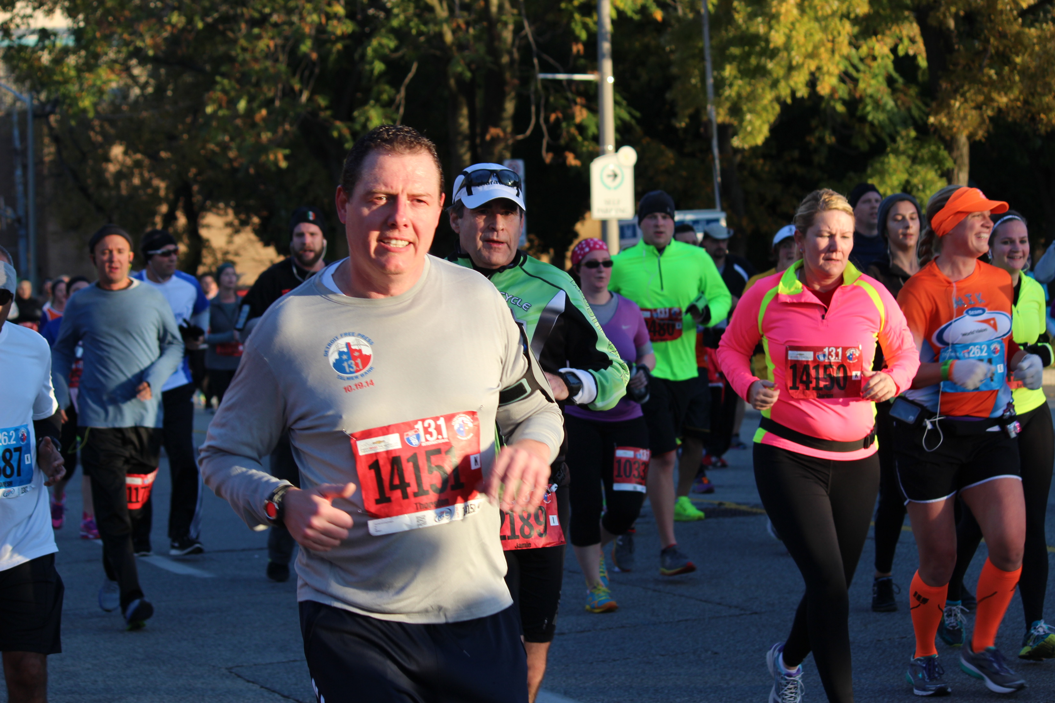 Runners during the 2014 Detroit Free Press Marathon. (Photo by Adelle Loiselle.)