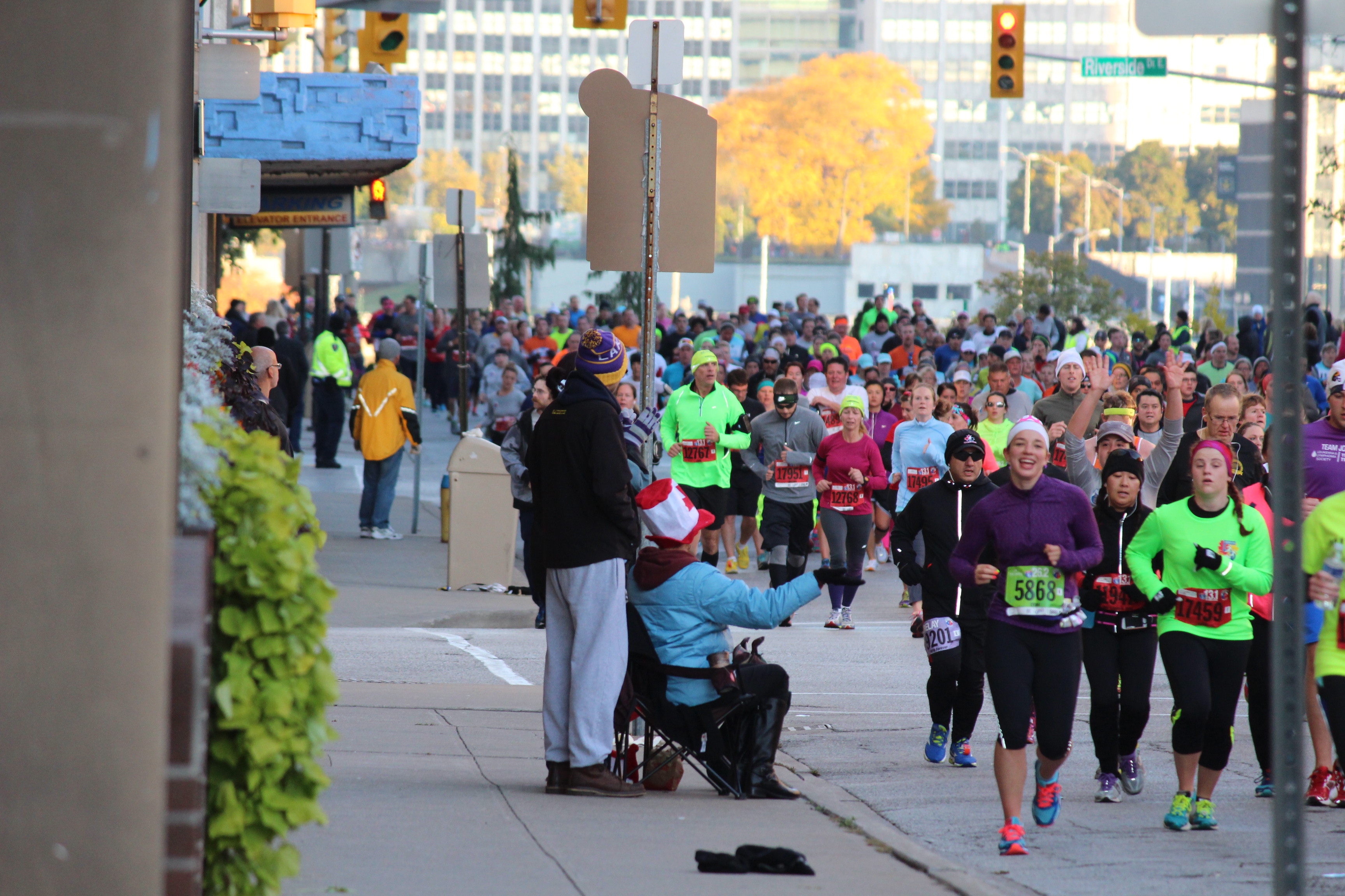 Runners during the Detroit Free Press Marathon, 2014. (Photo by Adelle Loiselle.)