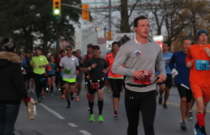 Thousands take part in the 2014 Detroit Free Press/Talmer Bank Marathon. (Photo by Adelle Loiselle.)