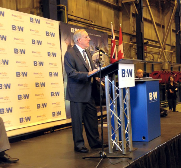Ontario's Minister of Energy, The Hon. Bob Chiarelli, discussed the positive impact Bruce Power has on Ontario's jobs and economy, at B&W Canada's Cambridge location. Bruce Power and B&W announced an extended agreement today. (Photo - Bruce Power)
