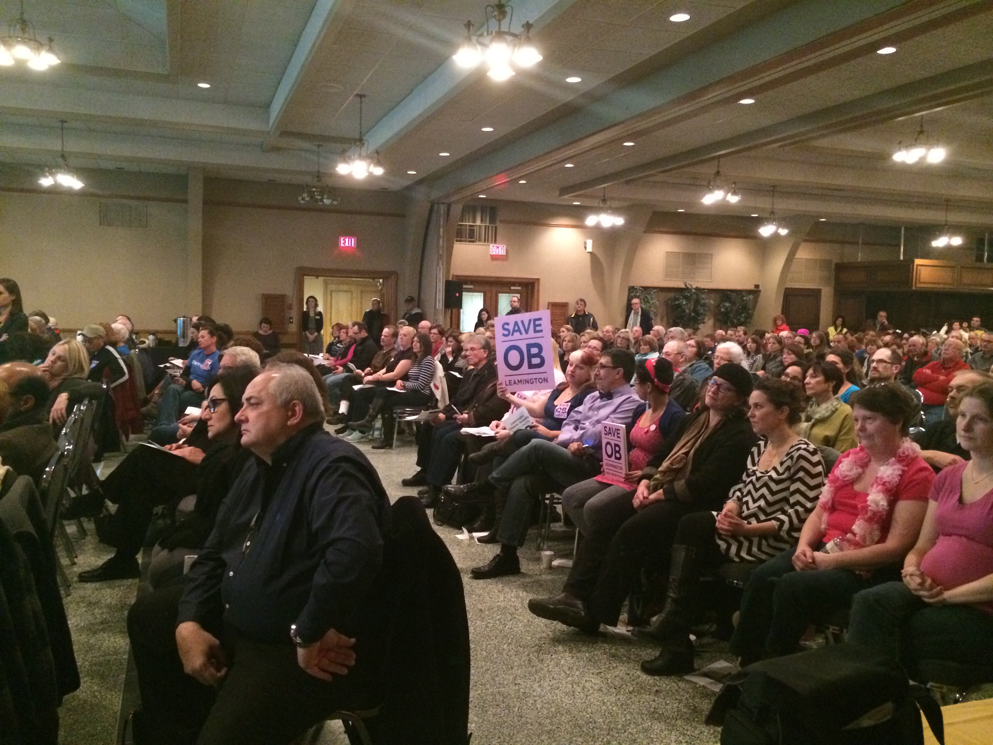 The Erie-St. Clair LHIN holds a special meeting at the Roma Club in Leamington on November 12, 2014 regarding the proposed closure of the obstetrics ward at Leamington District Memorial Hospital. (Photo by Ricardo Veneza)