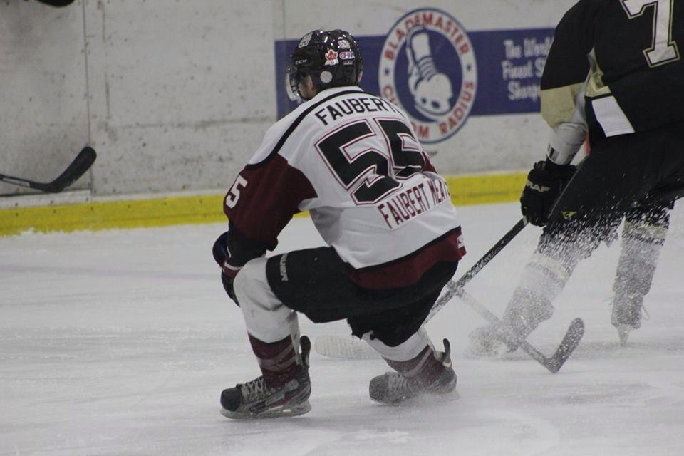 The Chatham Maroons take on the LaSalle Vipers, December 7, 2014. (Photo courtesy of Jocelyn McLaughlin)