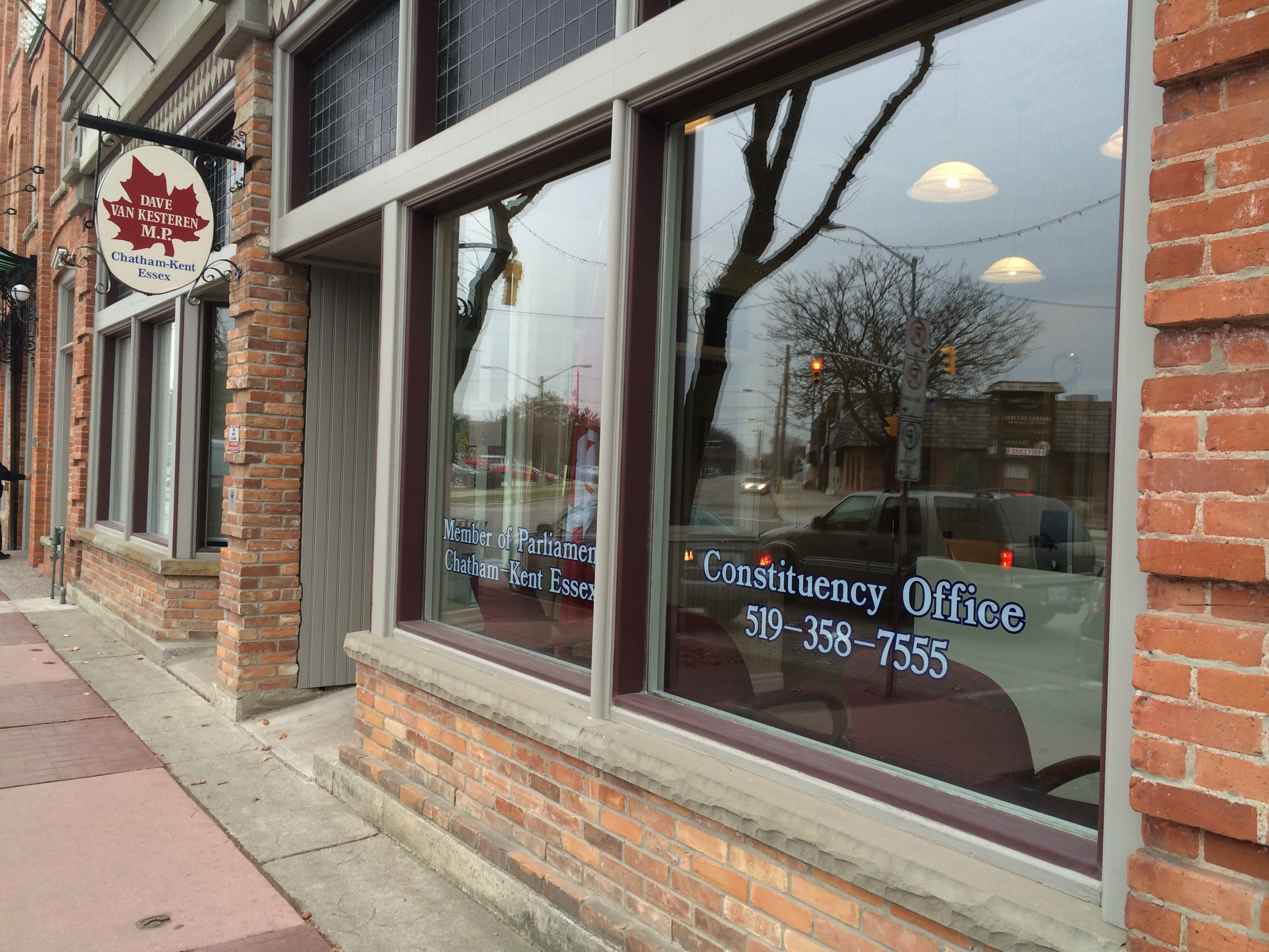 Chatham-Kent-Essex MP Dave Van Kesteren's office in Chatham on King Street is seen in this December 5, 2014 photo before being vacated as Retro Suites expands its footprint. (Photo by Ricardo Veneza)
