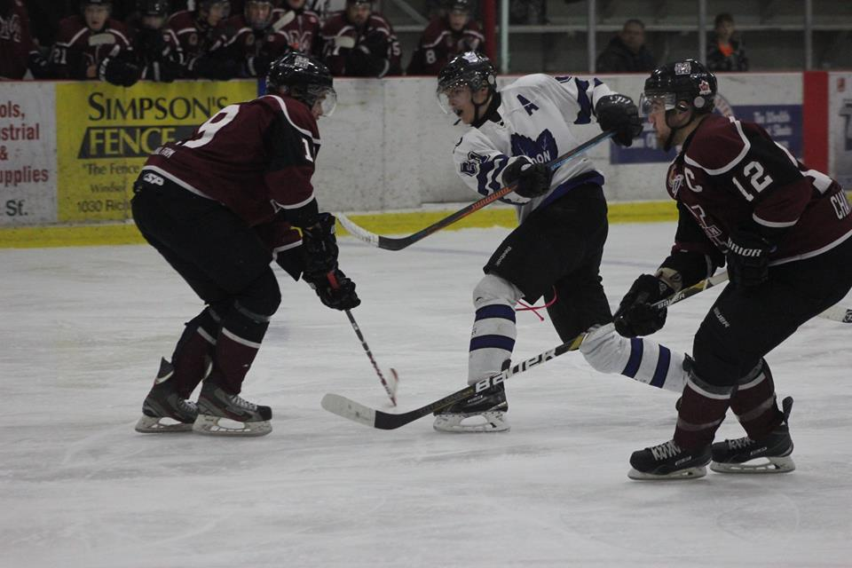 The Chatham Maroons battle the London Nationals, January 25, 2015. (Photo courtesy of Jocelyn McLaughlin)