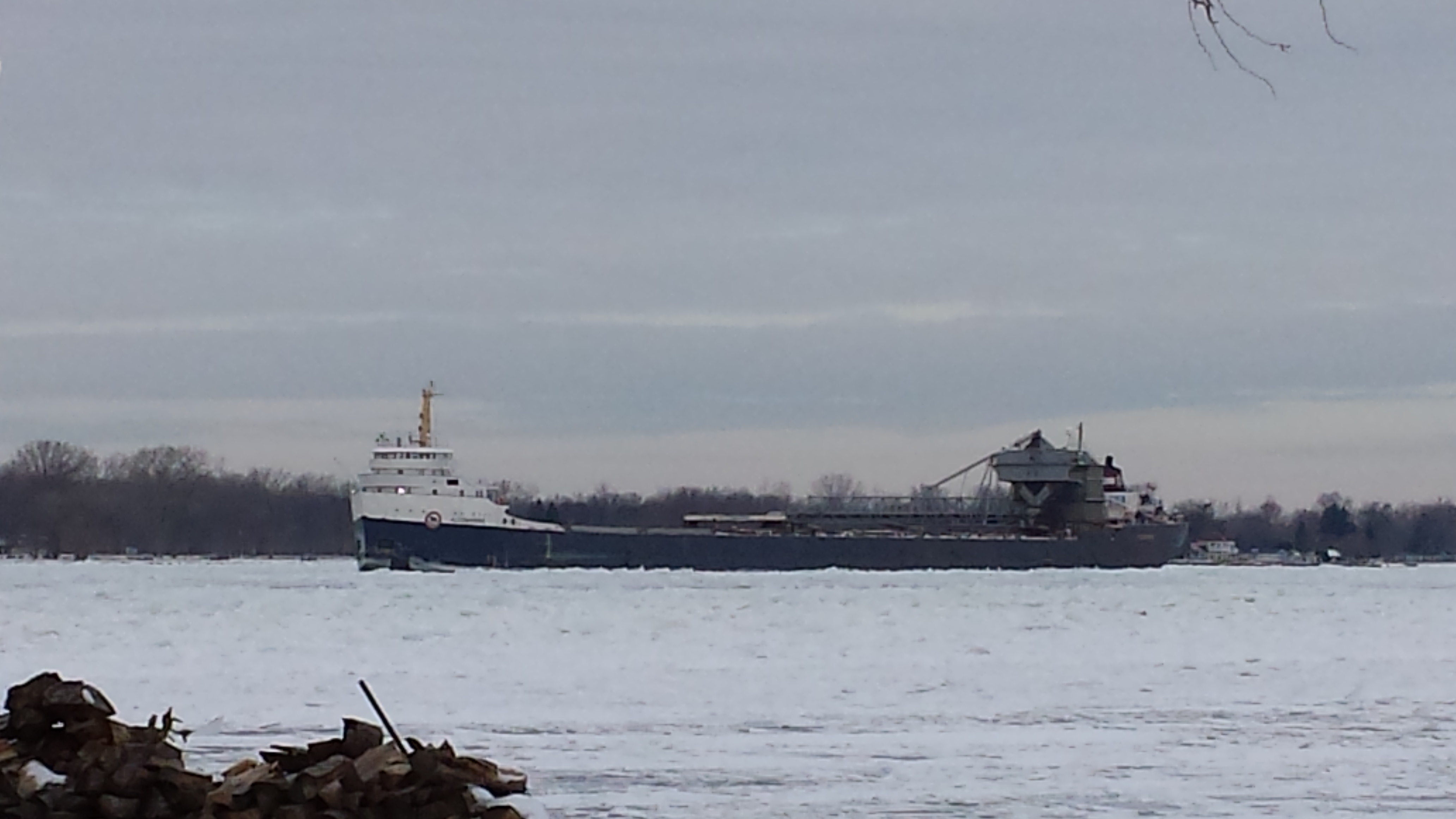 A number of freighters became stuck on the St. Clair River near Port Lambton, January 11, 2015. (Photo courtesy of Mr. Tractors)
