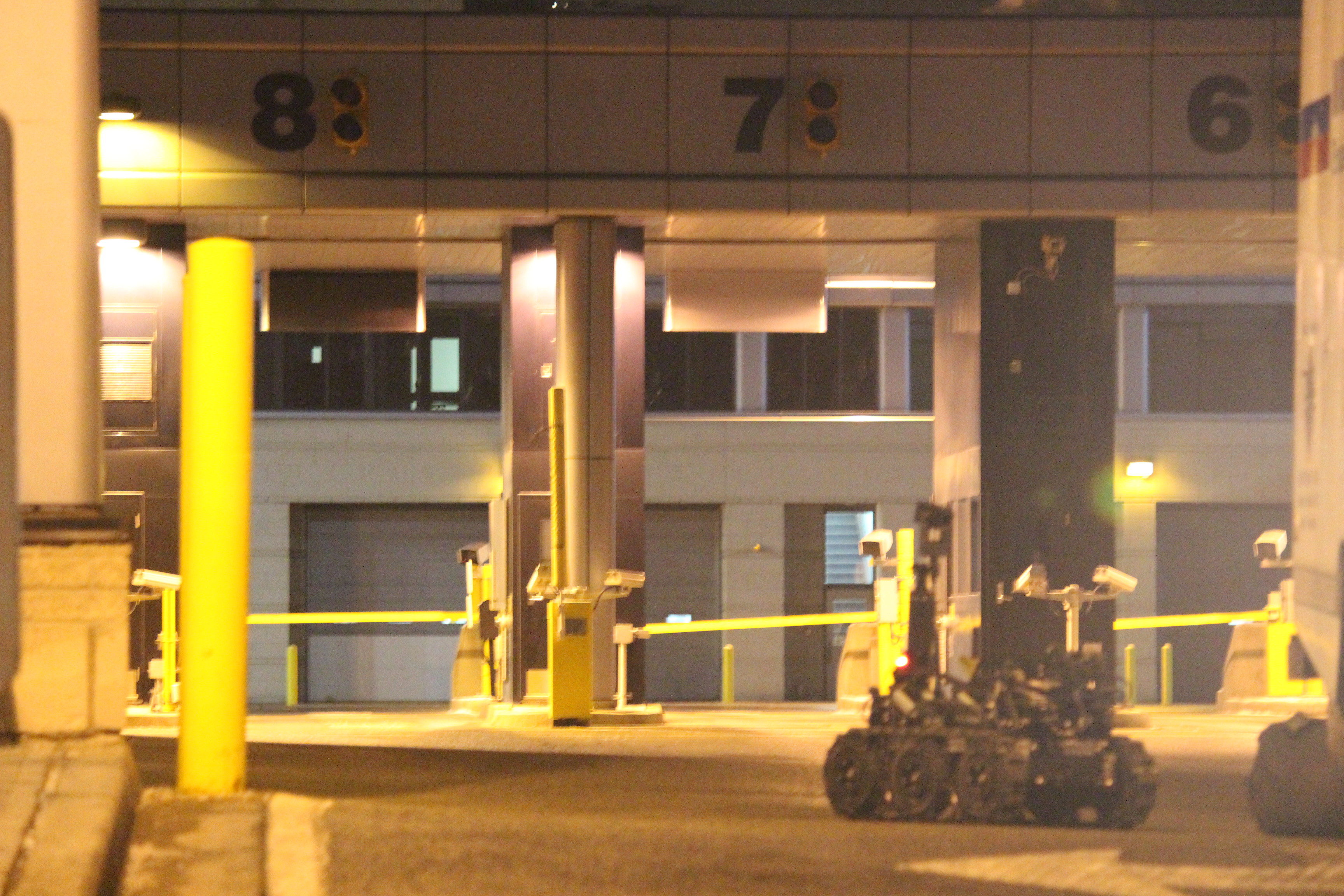 The Windsor police Explosive Disposal Unit attended the Detroit-Windsor Tunnel after a suspicious package was found on January 20, 2015. (Photo by Jason Viau)