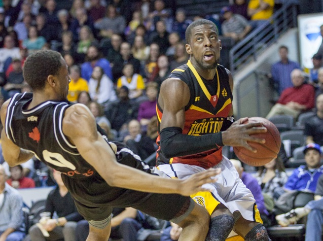 The London Lightning battle the Mississauga Power, January 18, 2015. (Photo courtesy of KMontgomery via the London Lightning)