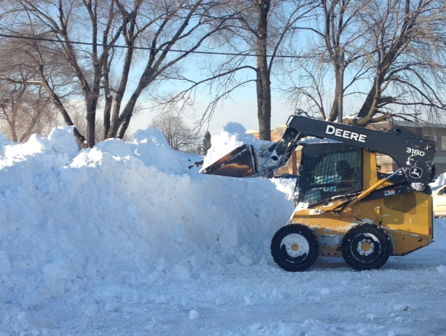 Crews cleanup following winter snow storm in Sarnia. (BlackburnNews.com file photo by Chelsea Vella)
