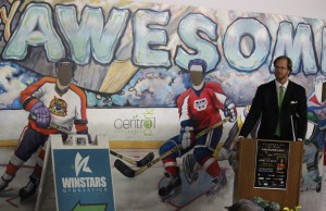 Philadelphia Flyers defenceman Chris Pronger visits Windsor to speak with young kids about his hockey experience, April 13, 2015. (Photo by Jason Viau)