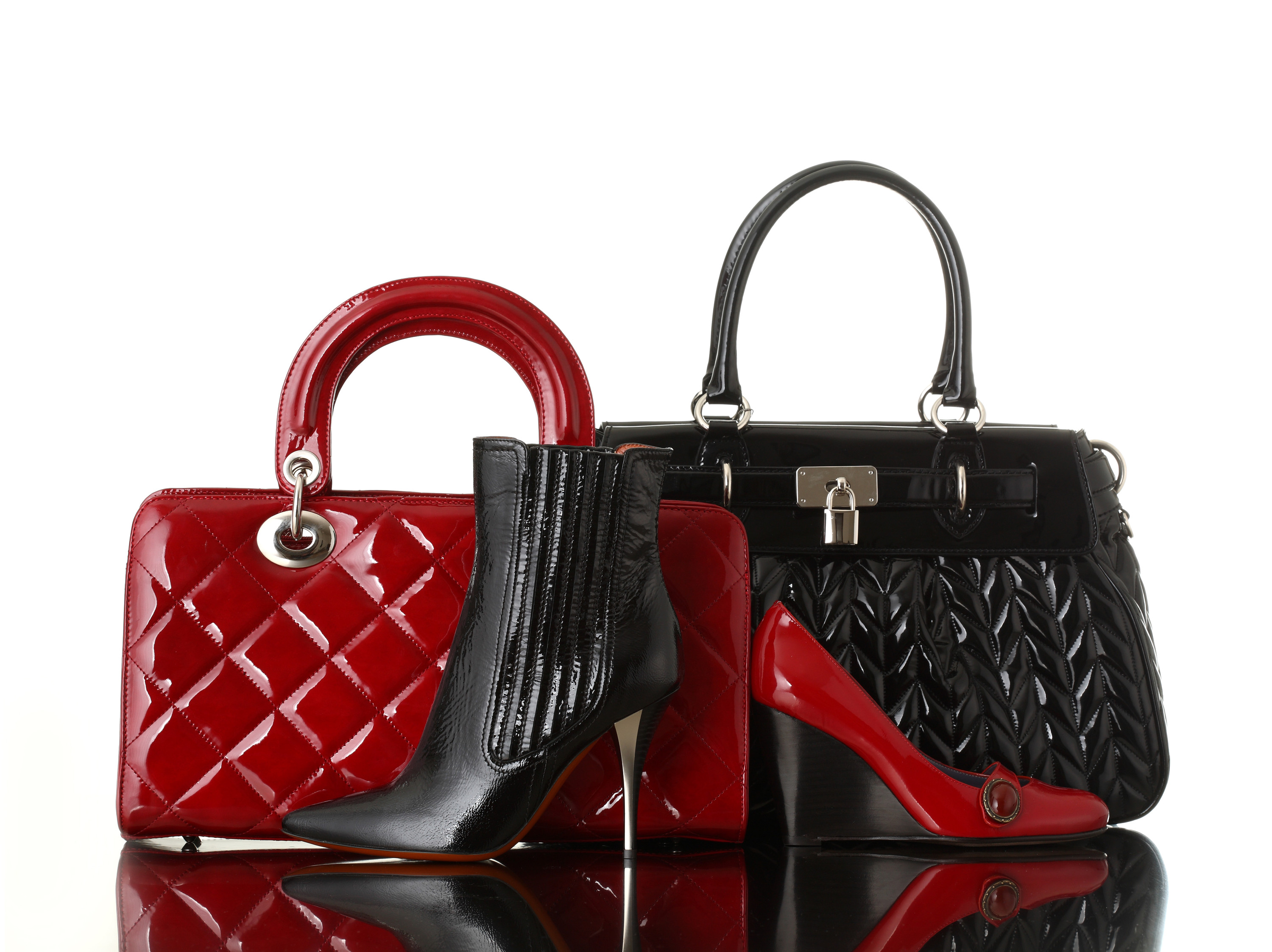 Shoes and a handbag. (Photo courtesy of © Can Stock Photo Inc. / stokkete)