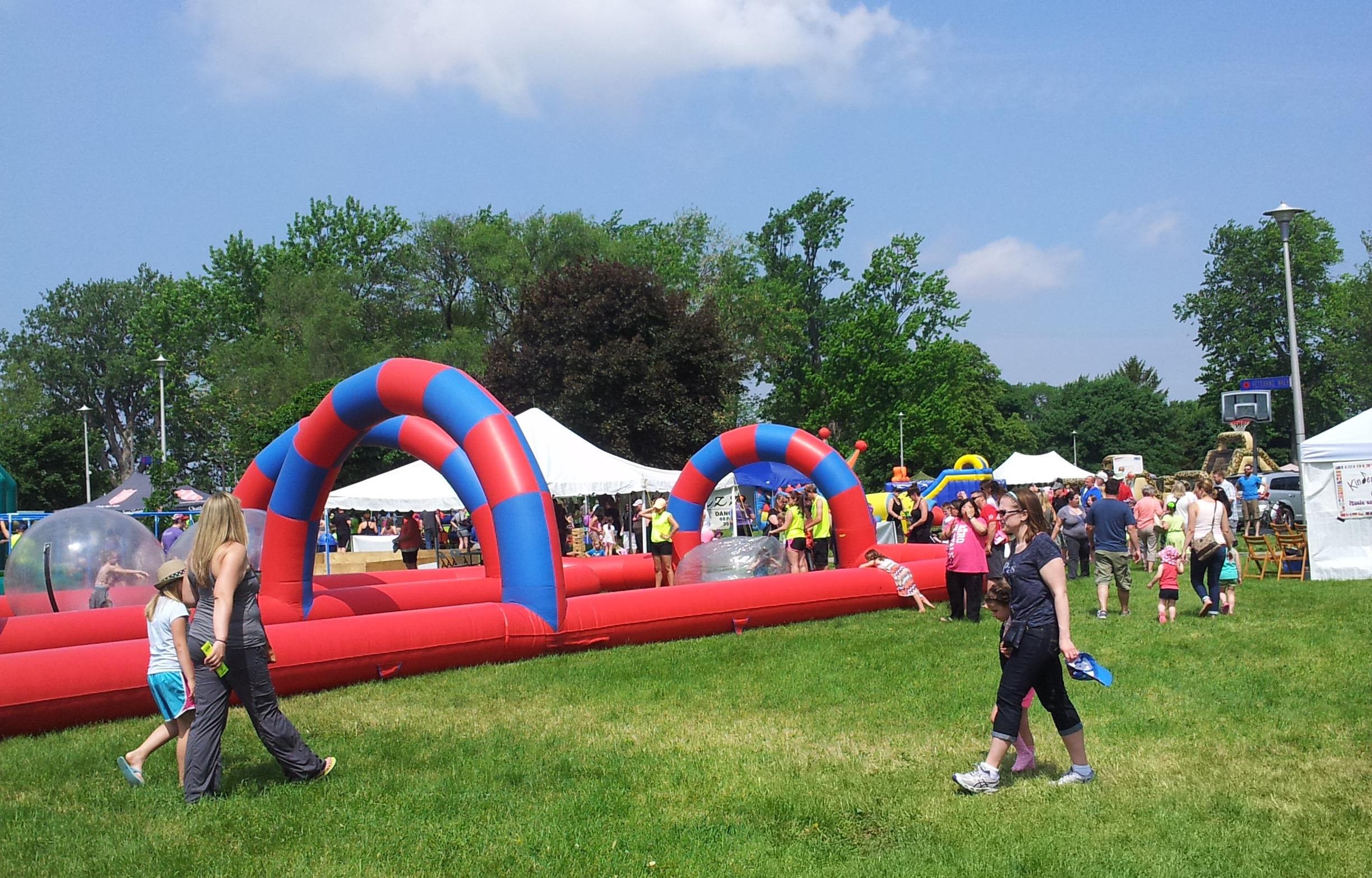 Local residents flock to the CK Youth Festival at Chatham's Tecumseh Park, May 30, 2015. (Photo by Blackburn Radio's Summer Patrol)