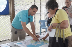 Residents work with city staff to present feedback at Centennial Park public input session May 27, 2015 (BlackburnNews.com Photo by Briana Carnegie)