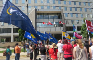 Union members rally outside London's City Hall during CUPE Local 101 inside workers strike. Photo by Ashton Patis.