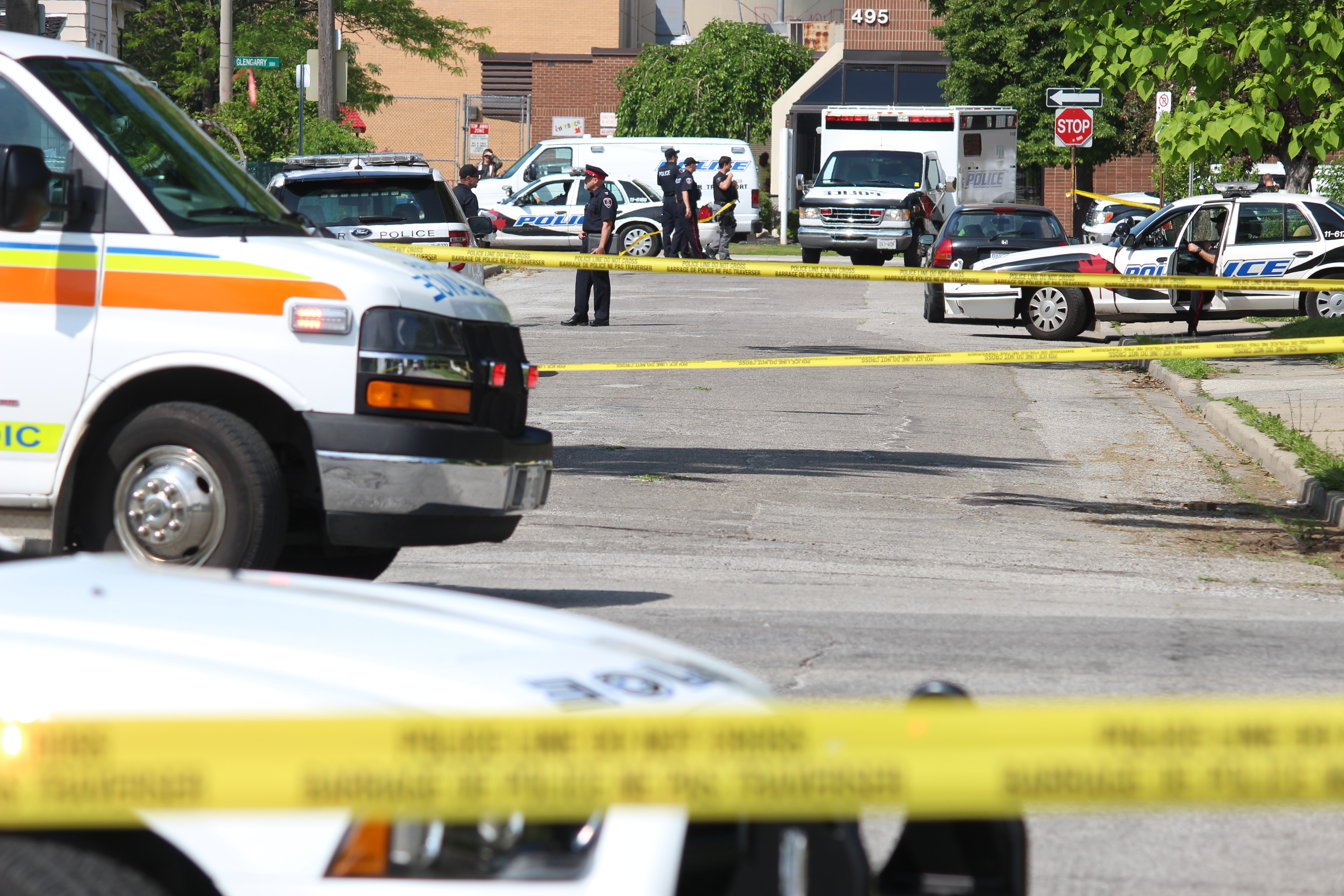 Police investigate an apparent homicide in the 500 block of Brant St., June 4, 2015. (Photo by Jason Viau)