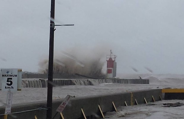 High waves in Leamington cause flooding June 27, 2015. (Photo courtesy of Franny Gaudreau)