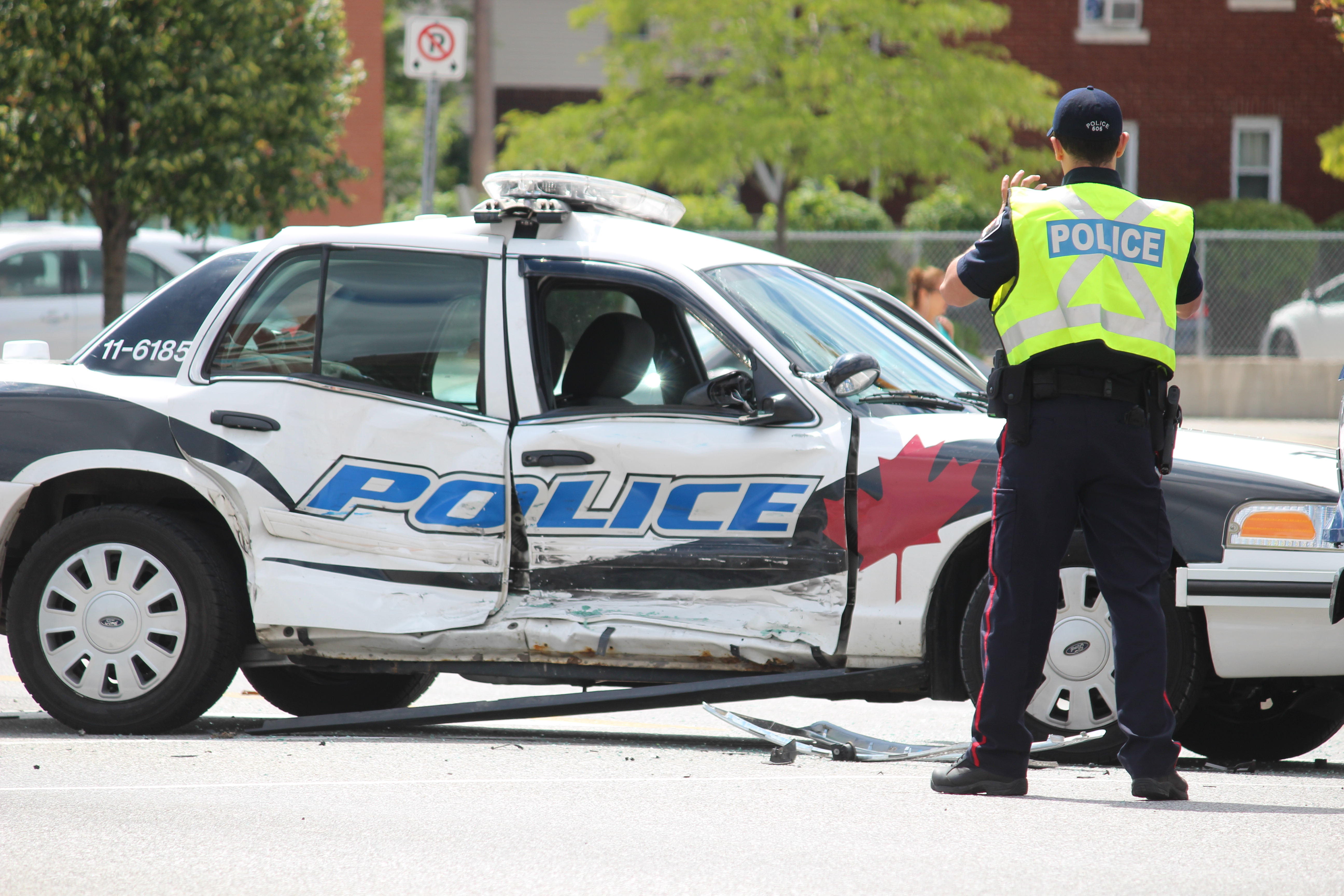 A Windsor police cruiser was involved in a crash at Ouellette and Giles, August 20, 2015. (Photo by Jason Viau)