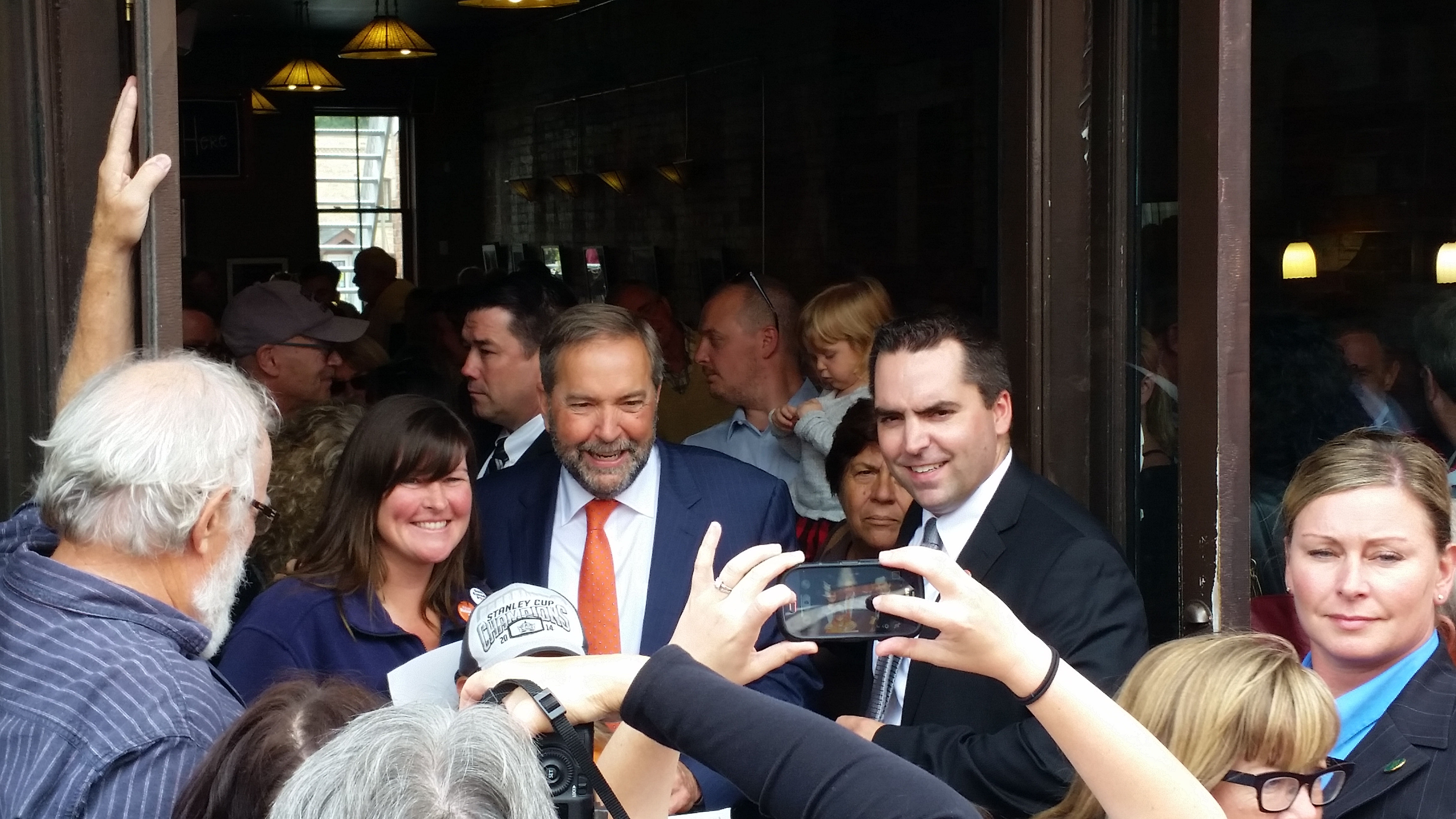 NDP leader Tom Mulcair makes a campaign stop in Stratford Wednesday. (photo by Victor Young)