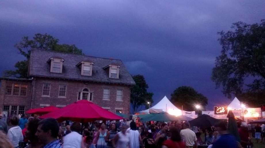 A storm quickly approaches the Shores of Erie International Wine Festival in Amherstburg, September 5, 2014. (Photo courtesy of David Puglia via Twitter)
