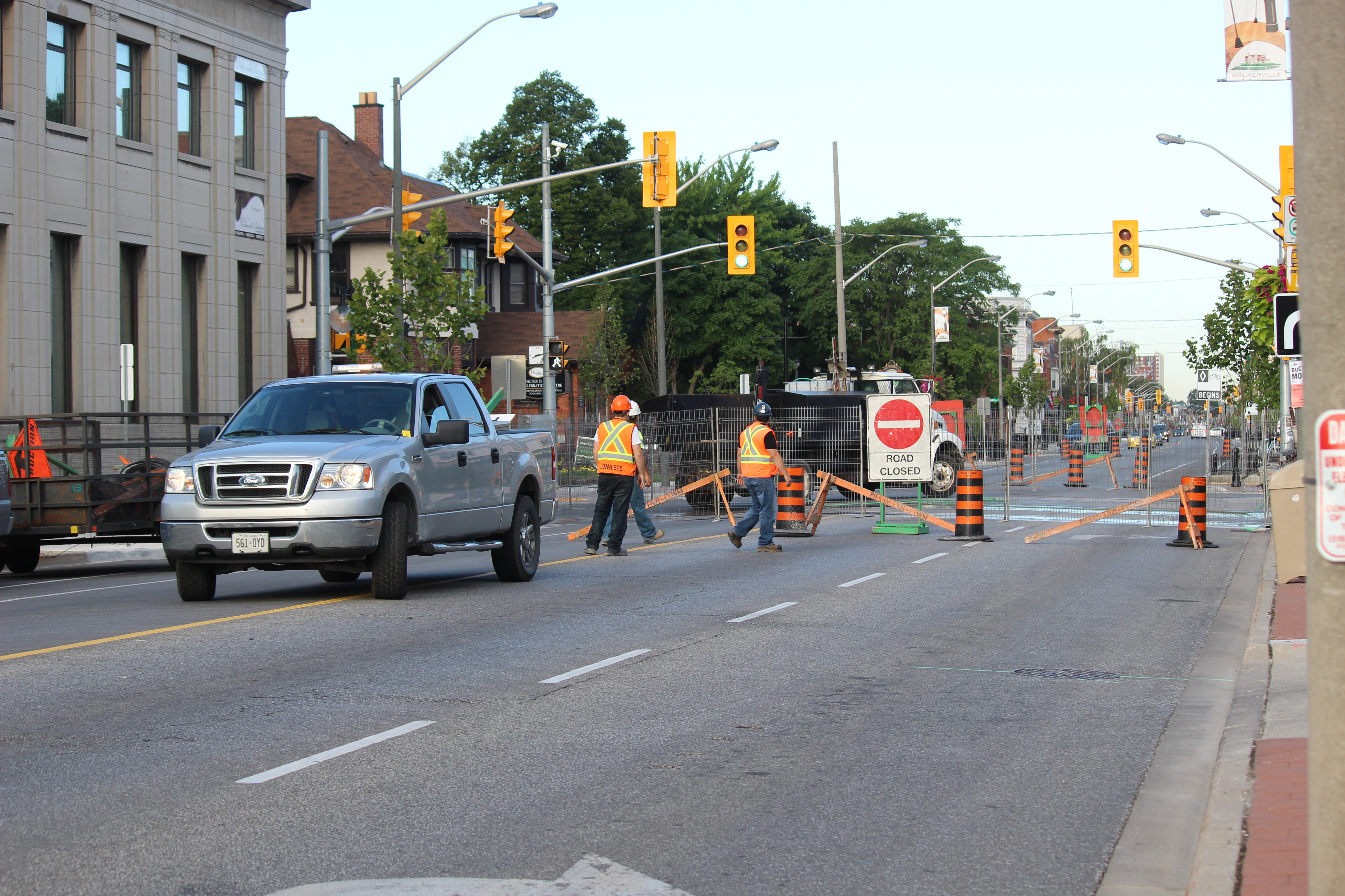 Construction on Wyandotte St. E at Devonshire Rd. in Windsor August 4, 2015. (Photo by Adelle Loiselle)