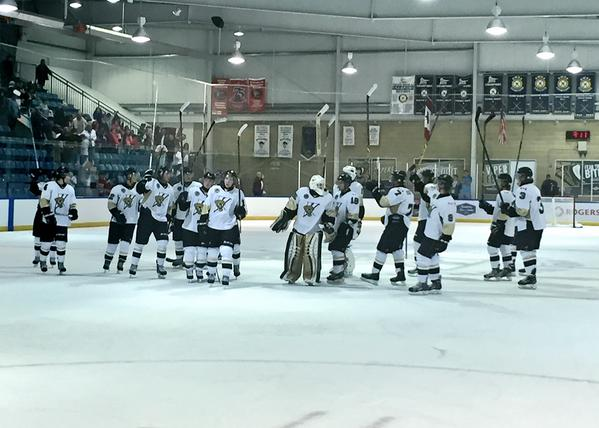 The LaSalle Vipers defeat the London Nationals, September 16, 2015. (Photo courtesy of the LaSalle Vipers via Twitter)