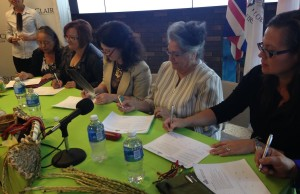 St.Clair College president Patti France and Aboriginal leaders sign the Indigenous Education Protocol, September 22, 2015. (Photo by Adelle Loiselle)