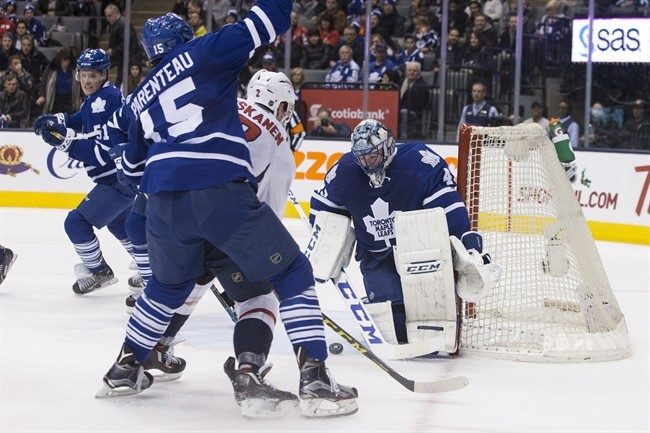 Capitals defeat last-place Maple Leafs 4-2